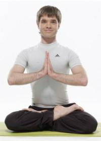 Инструктор по йоге в Москве Михаил Колесник